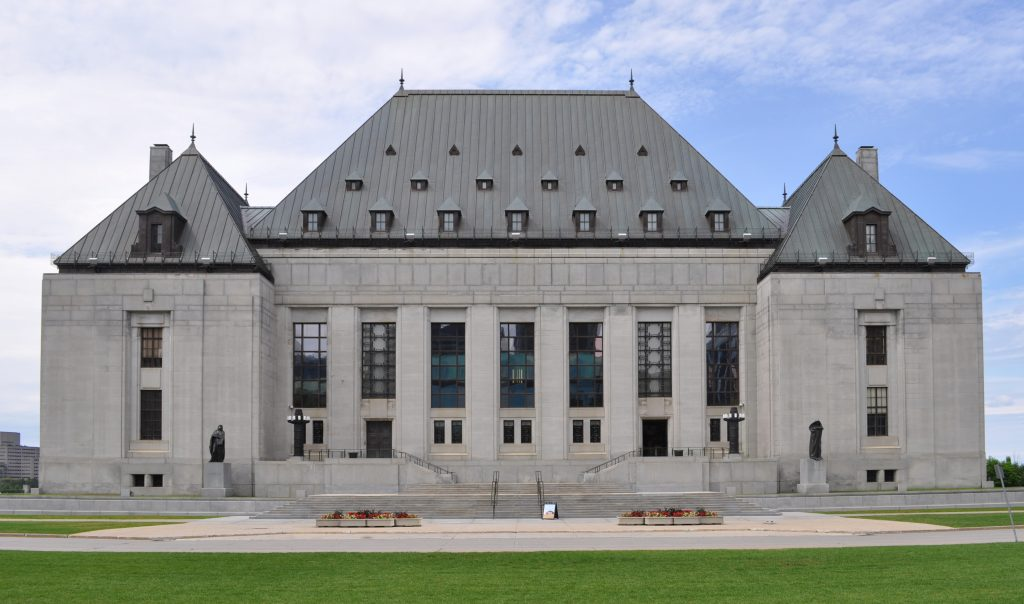 Supreme_court_of_Canada_in_summer